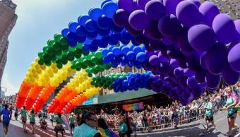 Nueva York celebra multitudinario Orgullo LGBT