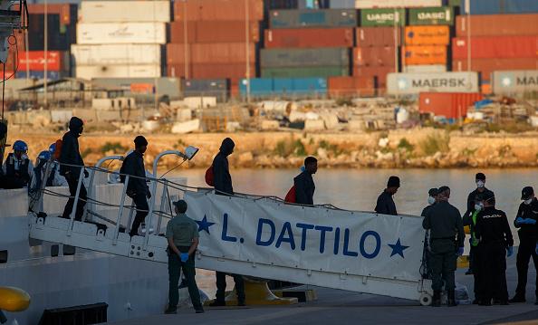 llegan espana migrantes rescatados en mediterraneo
