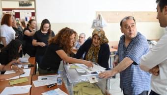 Erdogan se congratula de elecciones de Turquía
