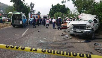 Choque deja una persona muerta y siete heridas en Oaxaca
