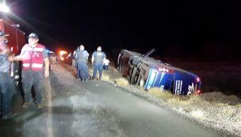 Volcadura de autobús de pasajeros deja seis muertos en Sonora