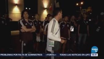 Aficionados Llevan Serenata Seleccionados Mexicanos Rusia
