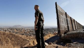 Trump expresa apoyo a ley con fondos para el muro fronterizo