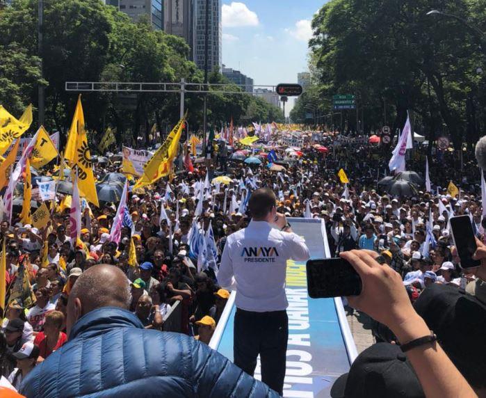 Anaya cierra campaña en la CDMX ante miles de simpatizantes