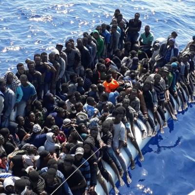 Buques de Libia interceptan a 270 migrantes en el mar Mediterráneo