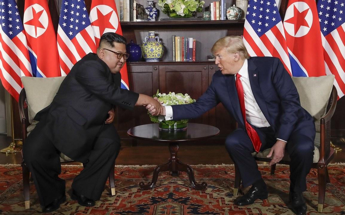 Finaliza encuentro privado Trump y Kim Singapur