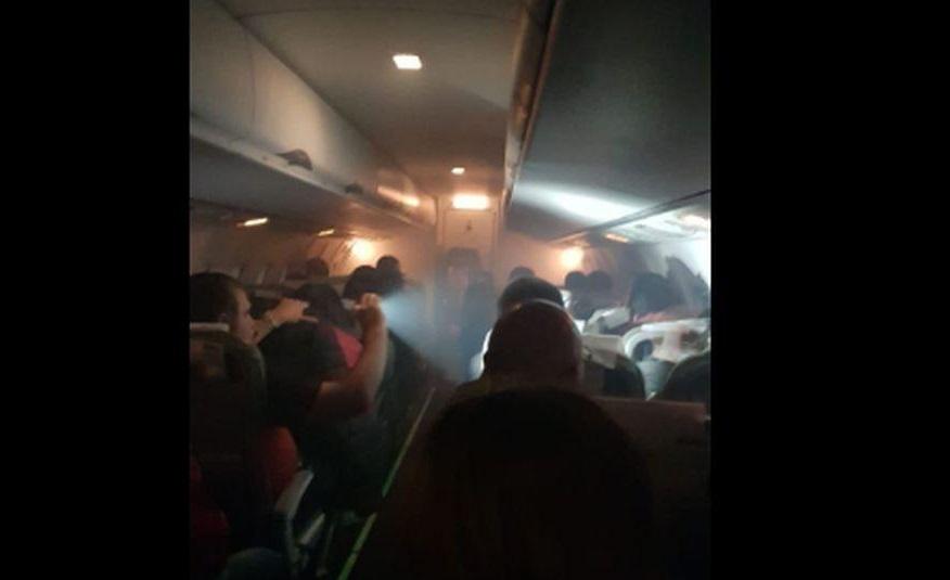 Rusia: turbinas de un avión se incendiaron antes de llegar al aeropuerto