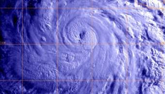 SMN mantiene vigilancia por huracán 'Bud' en Jalisco y Colima