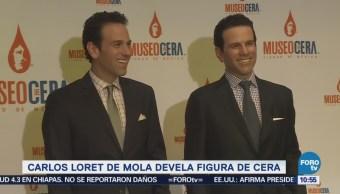 Carlos Loret devela figura de cera en la CDMX
