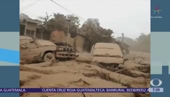 Carlos Loret recorre zona devastada por erupción del Volcán de Fuego