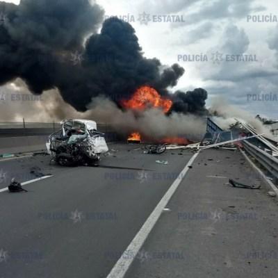 Choque múltiple deja cuatro muertos en el Circuito Exterior Mexiquense