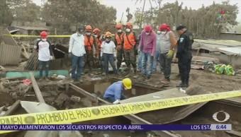 Civiles buscan a familiares desaparecidos en Guatemala tras erupción volcánica