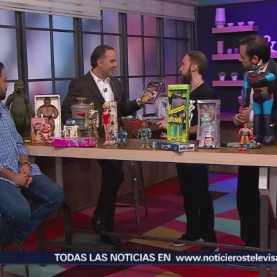 Coleccionista de juguetes muestra parte de su tesoro