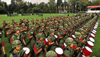 Sedena condecora a 50 militares por su profesionalismo