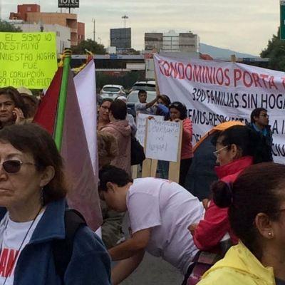 Damnificados del sismo del 19-S se manifiestan en Tlalpan, CDMX