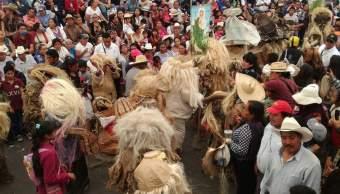 Danzas y máscaras engalanan Temascalcingo durante Corpus Cristi