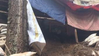 Se registra deslave en Camino a Desierto de los Leones por lluvias