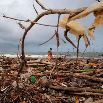 Plástico en los océanos llega a ocho millones de toneladas cada año