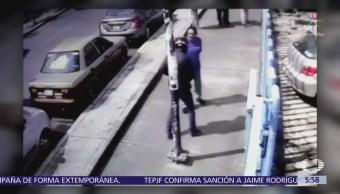 Dos hombres asaltan a transeúnte en la delegación Azcapotzalco