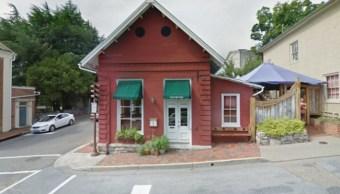 Trump considera sucio restaurante negó servir Sarah Huckabe