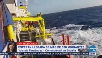 Esperan Llegada Migrantes España Buque Migración