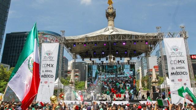 Mexicanos celebran pase a siguiente ronda del Mundial