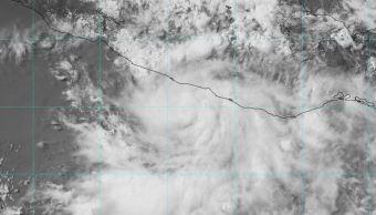 Tormenta tropical 'Carlotta' se ubica muy cerca de Guerrero