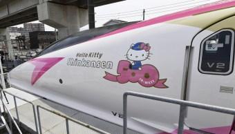 El tren Hello Kitty inicia operaciones en Japón