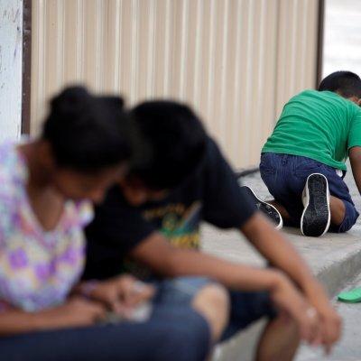 Honduras busca reunir con sus familias a 239 niños detenidos en Estados Unidos