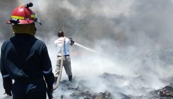 Incendio consume pastizales en basurero de Coatzacoalcos y Cosoleacaque, Veracruz