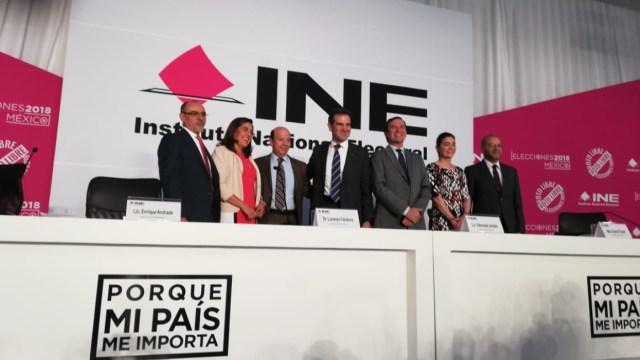 INE inaugura macrosala de prensa y reconoce a concesionarios de radio