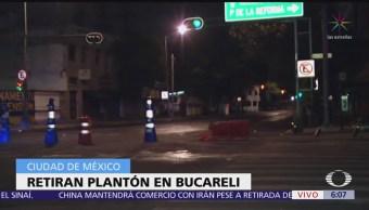 Integrantes de la CNTE concluyen plantón en Bucareli, CDMX
