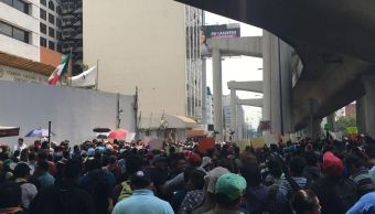 Integrantes de la CNTE bloquean lateral de Periférico Sur