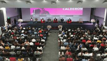 'El Bronco' se reúne con estudiantes de la Ibero