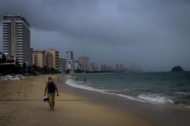 Suspenden clases costa de Guerrero por lluvias