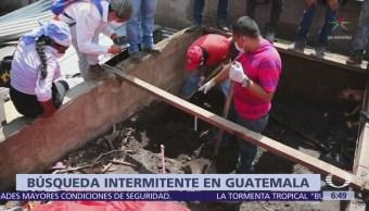 Lluvias afectan búsqueda de desaparecidos tras erupción volcánica en Guatemala
