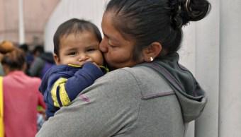 Trump separa a bebés de sus padres migrantes en Texas