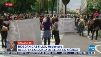 Manifestantes cierran carriles centrales de Paseo Reforma