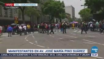 Manifestantes cierran la avenida Pino Suarez, CDMX
