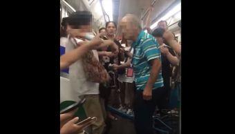 Usuarios-Metro-Adulto-Mayor-Cachetada-Bofetada