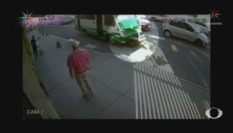 Microbús atropella a ciclista en la CDMX