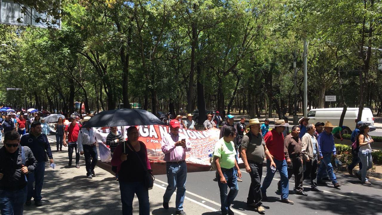 Contingentes de la CNTE avanzan rumbo al centro CDMX