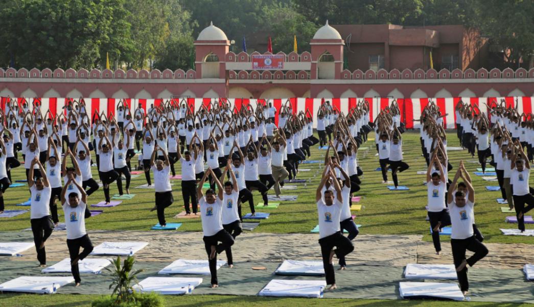 La India celebra el Día Internacional del Yoga