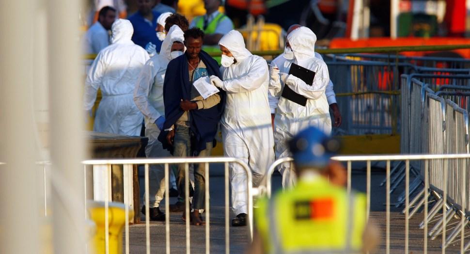 Desembarcan 230 inmigrantes en Malta del barco Lifeline