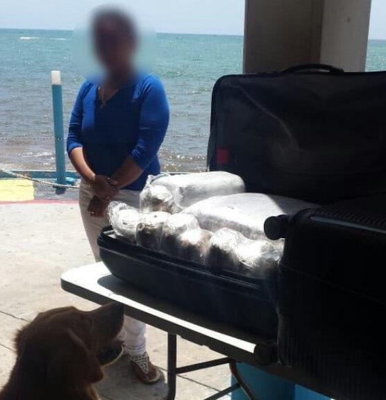 Detectan mujer con 43 kilos de marihuana Playa del Carmen