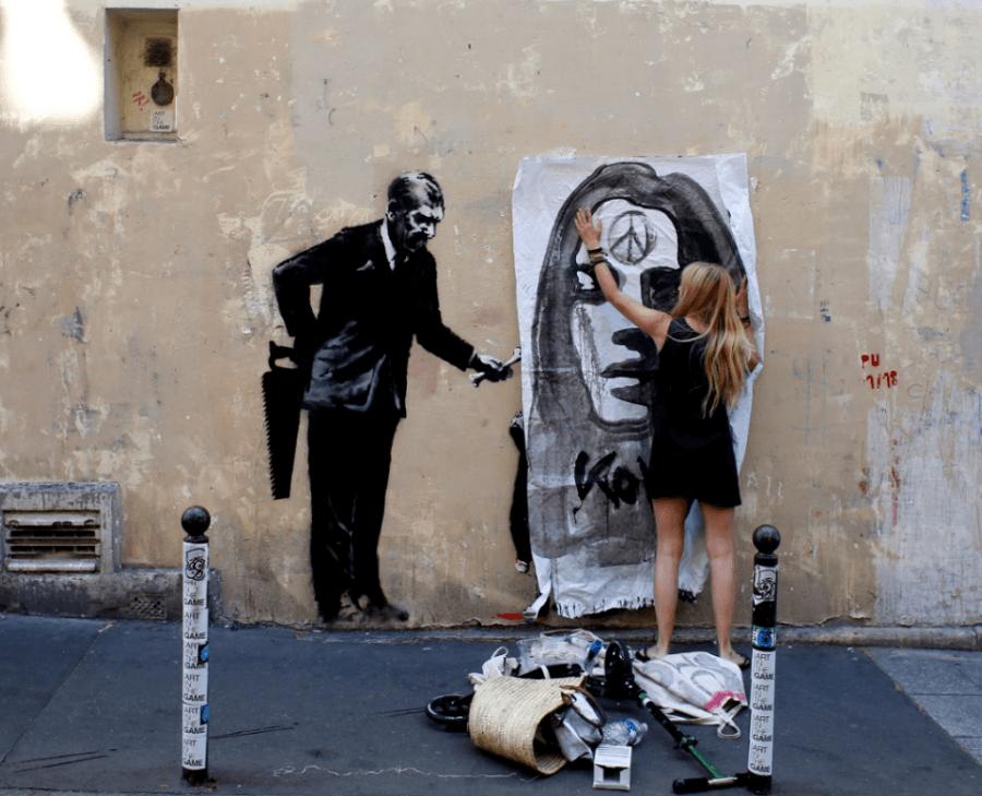 Banksy reaparece en París con varios grafitis que condenan el racismo