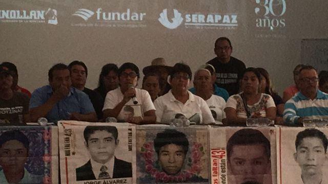 La verdad histórica del caso Iguala quedó hecha pedazos, dicen padres de normalistas