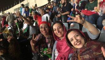 Permiten mujeres iraníes ver partido Mundial estadio Teherán