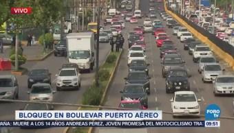 Policías impiden manifestación en boulevard Puerto Aéreo