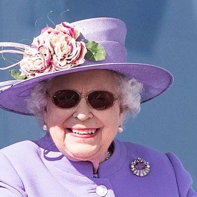 Reina Isabel II se sometió a una operación de cataratas en mayo